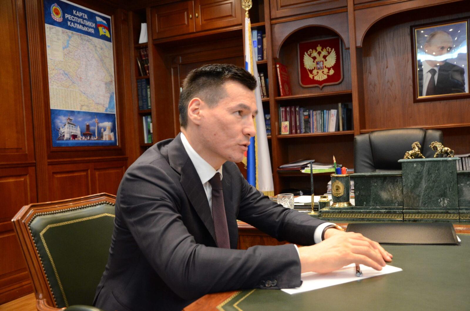 Глава Калмыкии встретился с Генеральным консулом Узбекистана
