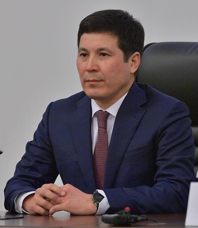Режим чрезвычайного положения в Казахстане: оплачиваемый трудовой отпуск, санитарный контроль и премии медработникам