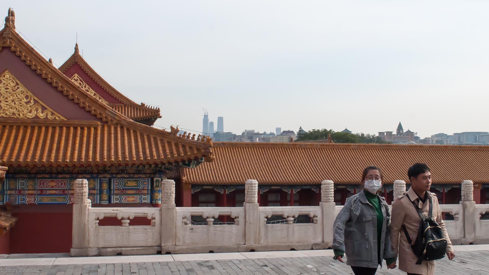 Правительство Китая  ослабляет двухмесячную изоляцию граждан