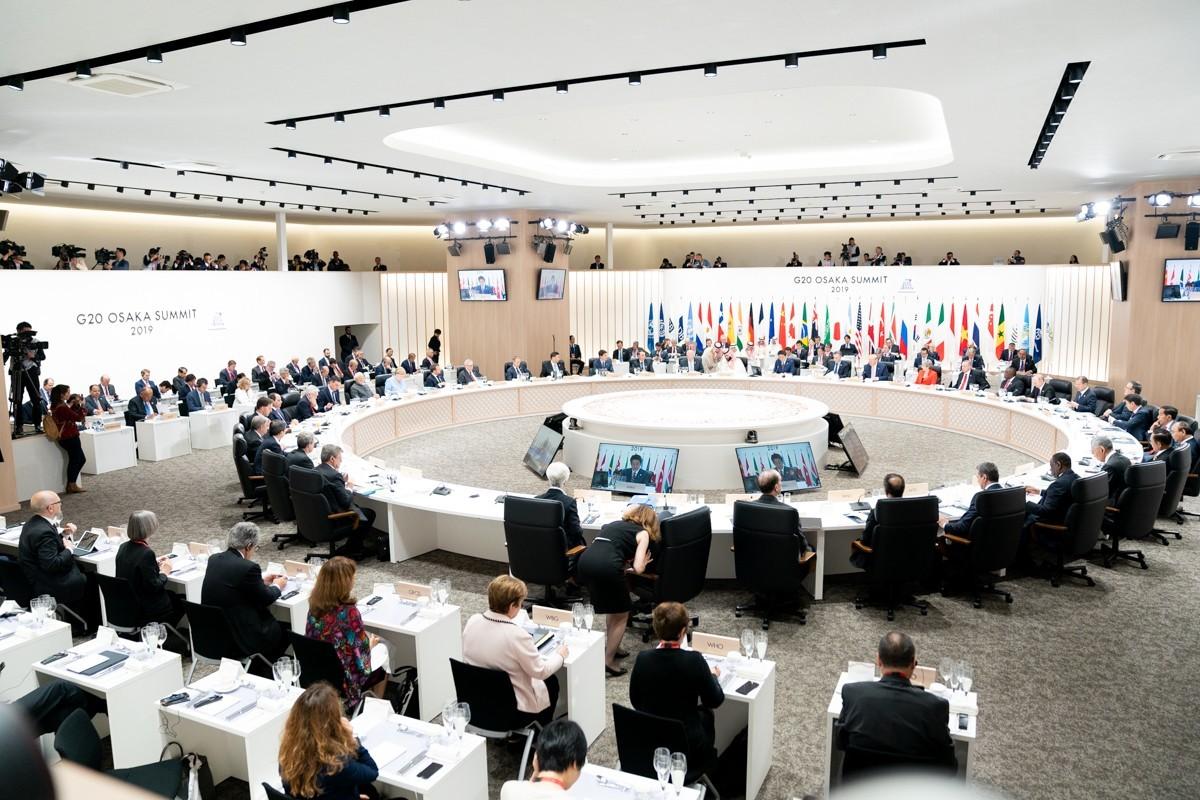 Экстренный саммит G20 впервые пройдет в формате видеоконференции