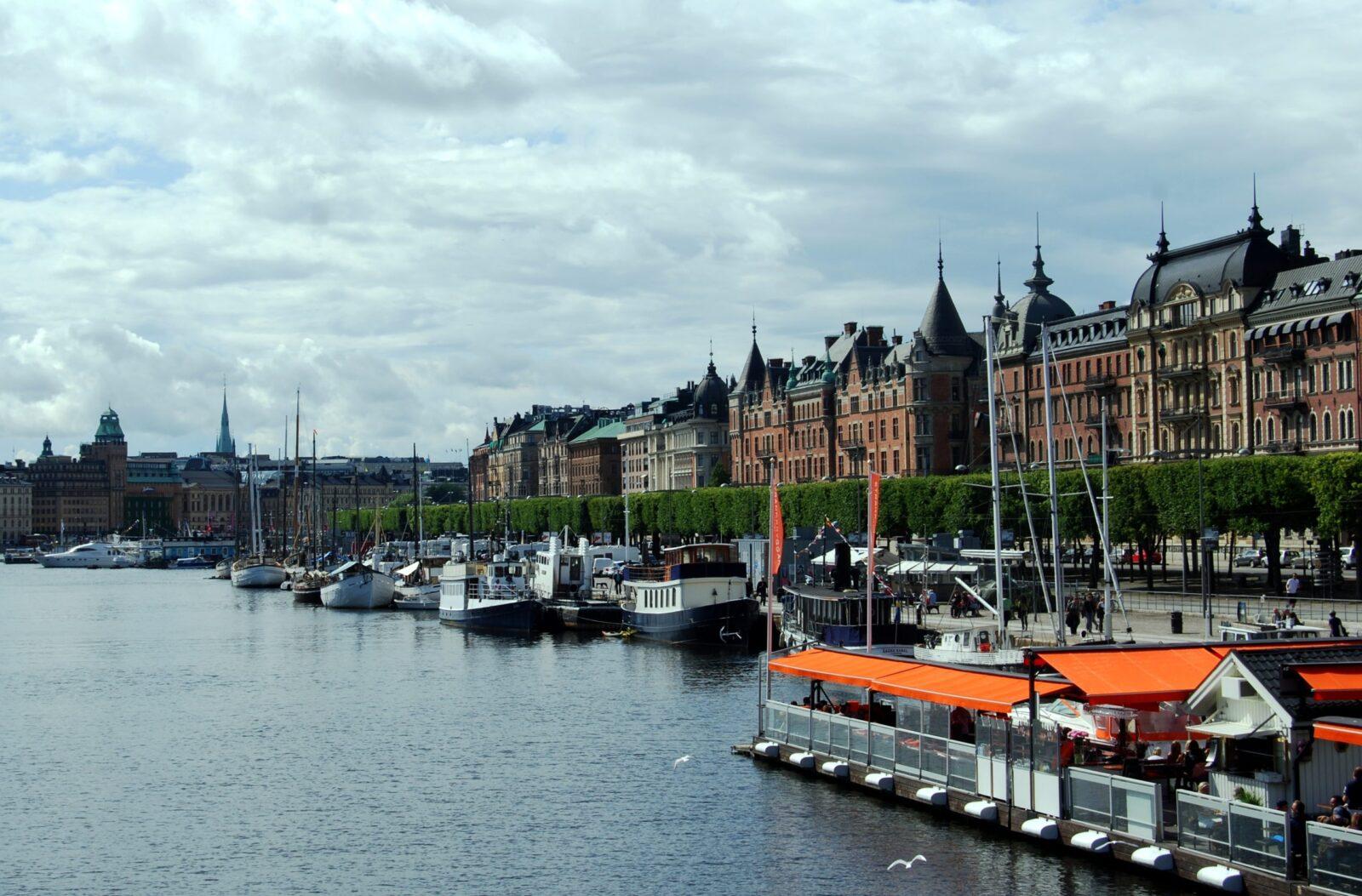 Беларусь и Швеция: особый путь в борьбе с COVID-19