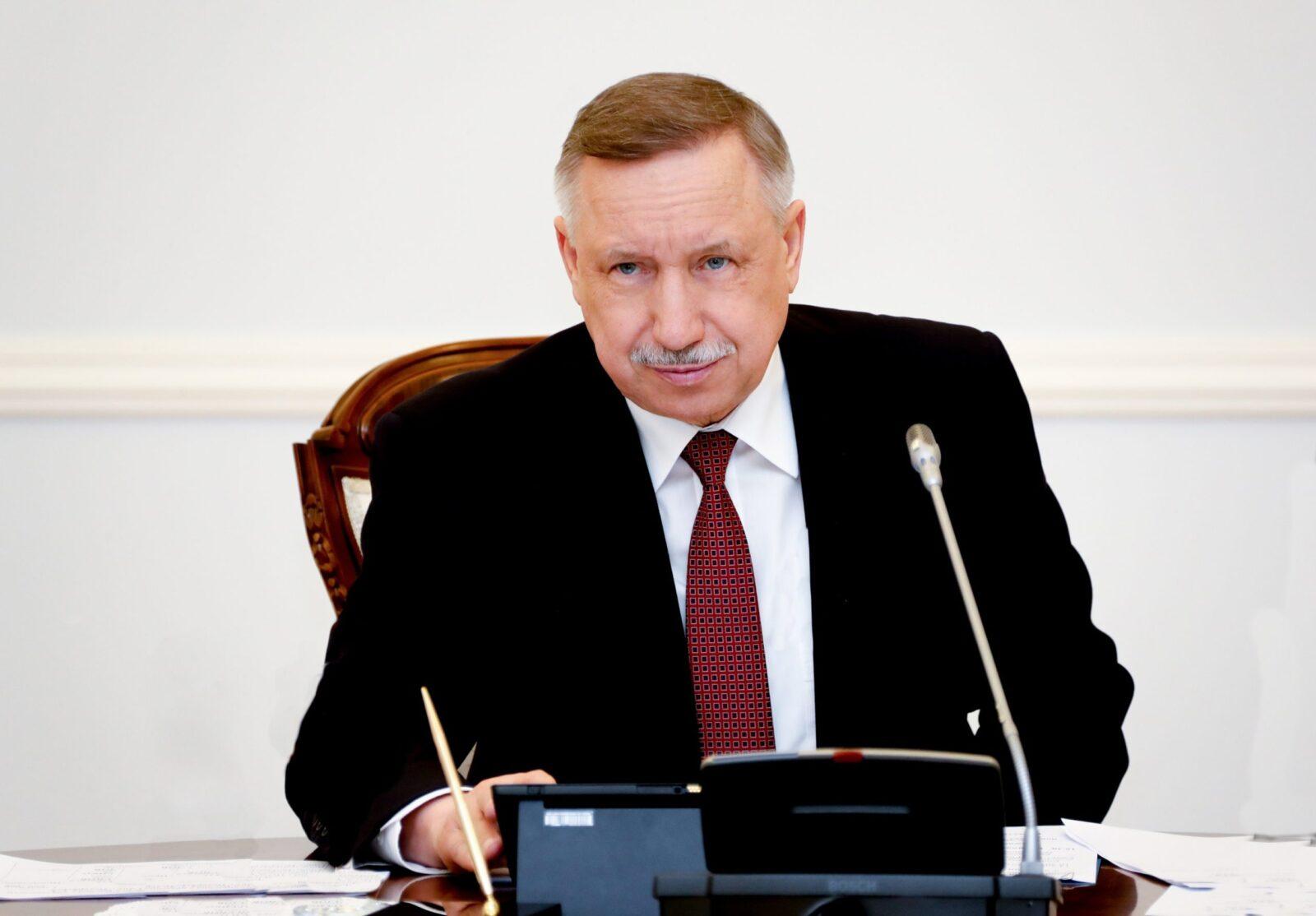 Губернатор Санкт-Петербурга ввёл режим полной самоизоляции для жителей города