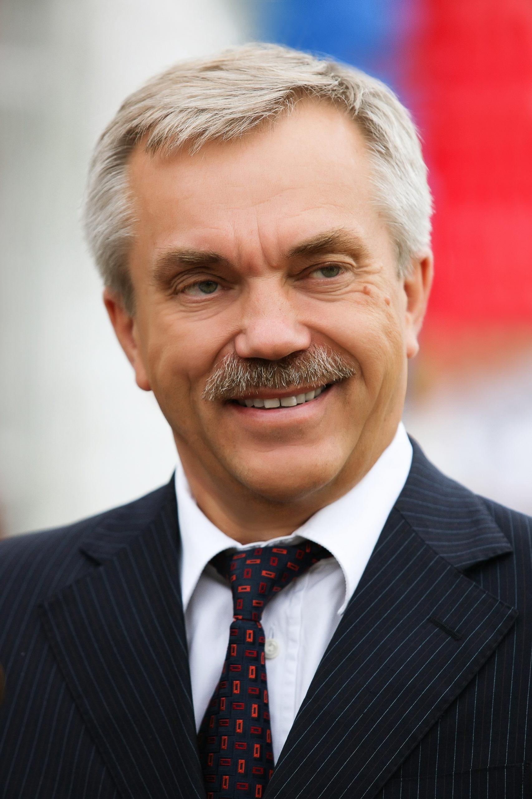 8 апреля 2020 года свой 70-й день рождения празднует Губернатор Белгородской области (РФ) Евгений Савченко