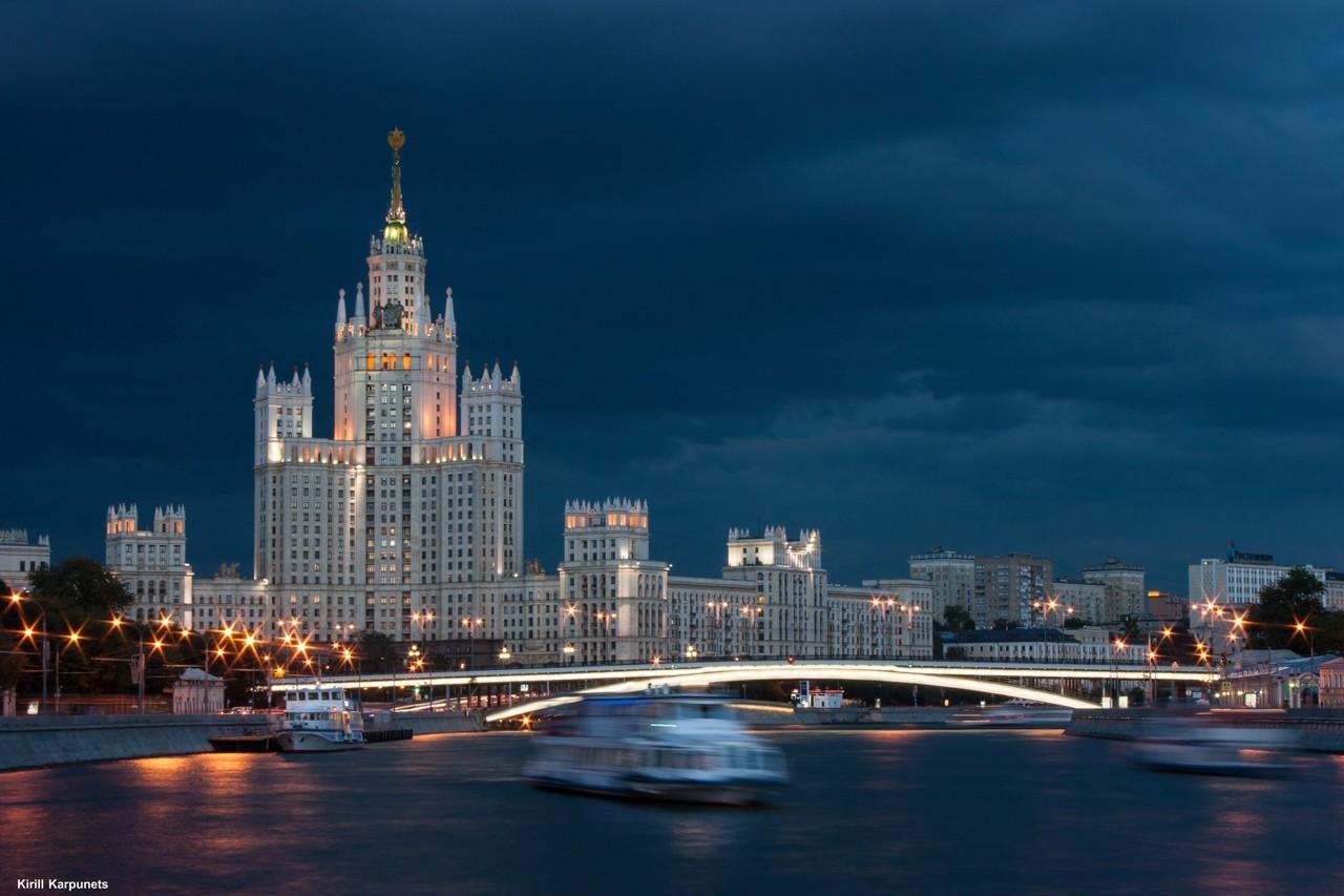 Мэр Москвы не стал вводить пропуска на выход из дома