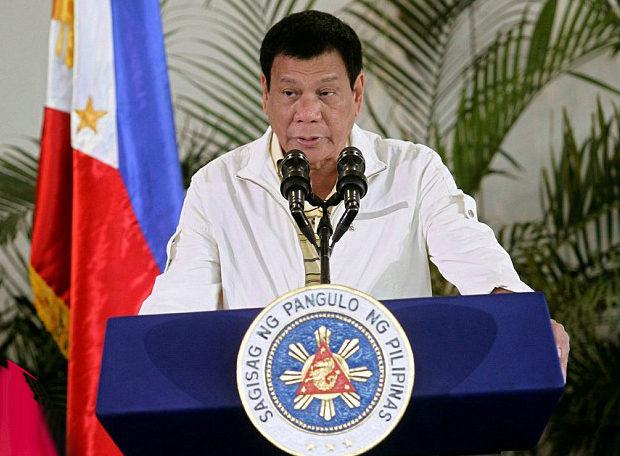 Президент Филиппин приказал стрелять по нарушителям карантина