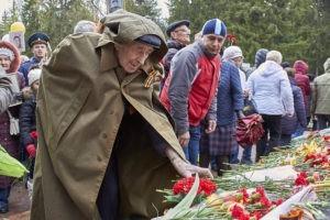 Владимир Путин поручил отложить проведение парада Победы 9 мая