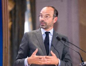 Премьер-министр Франции подвел промежуточные итоги борьбы с пандемией