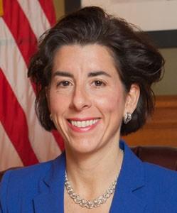 17 мая 2020 года свой 49-й день рождения празднует Губернатор Род-Айленда (США) Джина Раймондо